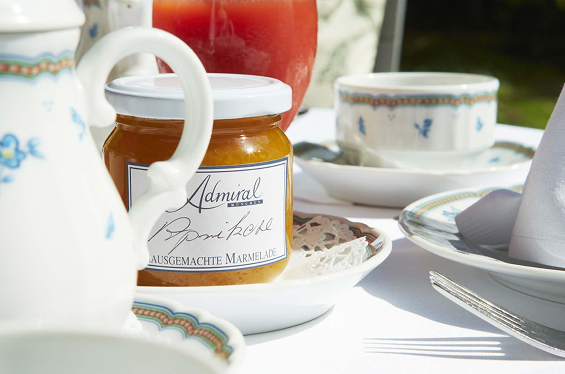 Frühstück im Hotel Admiral, München