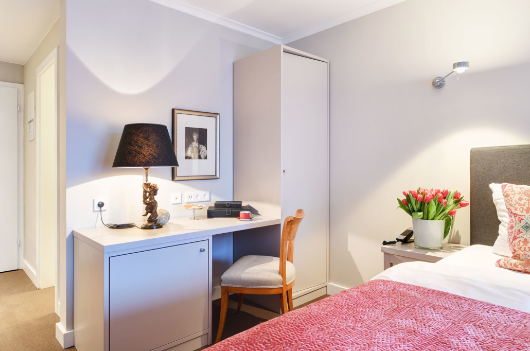 Desk in the double room of the Hotel Admiral, Munich