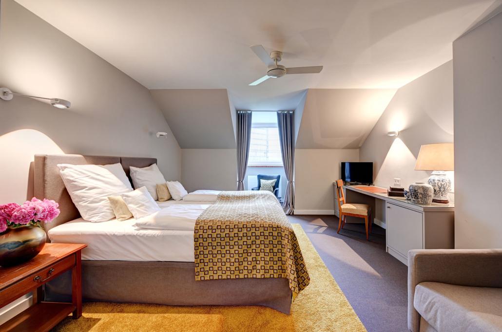 Wohnzimmer Suite - mit Schlafsofa - Hotel Admiral, München